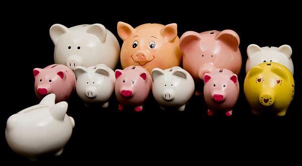 Dluhů čím dál víc. Komu pomůže konsolidace úvěrů