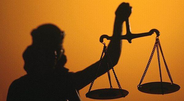 Co zmůže zaměstnanec, když si firma vykládá zákony po svém…
