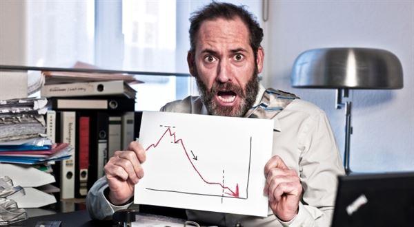 Nelámejte hůl nad akciovými propadáky