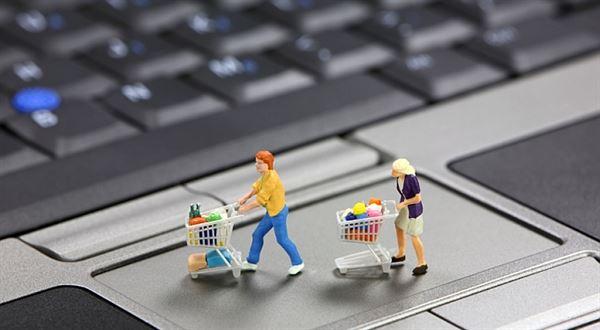 Kdo napodobí Tesco? E-shop s potravinami řetězce jen slibují