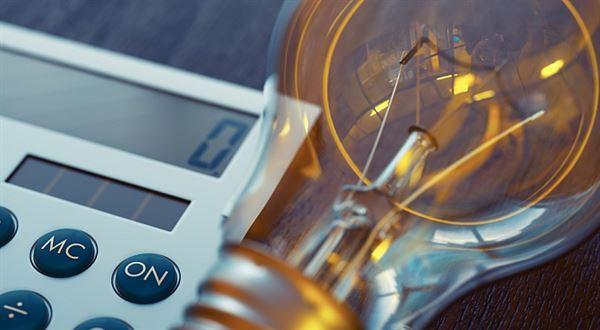 Elektrika a plyn levněji? Kolik pravdy je v reklamách energetických firem