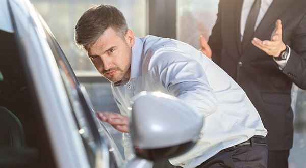 Kupujeme ojetinu: Pozor na triky v autobazaru