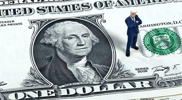 TopForex: Dolar ztrácel kvůli Trumpovi, libra rostla nadějí na pokrok v jednáních o brexitu