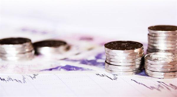 Půjčit si peníze v moderní době je velmi snadná záležitost