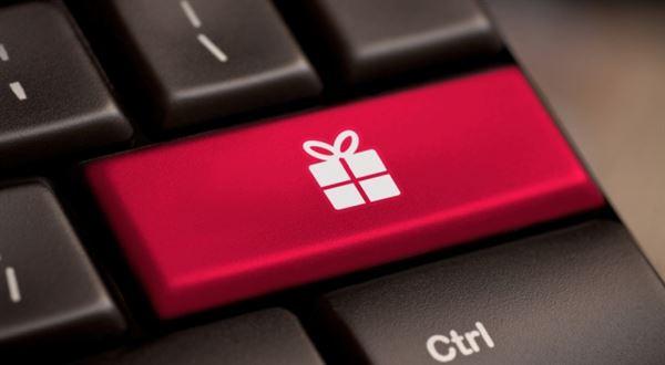 Chytré tipy na vánoční online nákupy: Dokdy objednat, jak na slevy i vrácení nevhodné dárku
