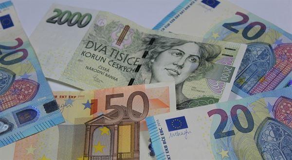 eTrader €uroBarometr: Proč se koruna přilepila na hodnotu 26 za euro
