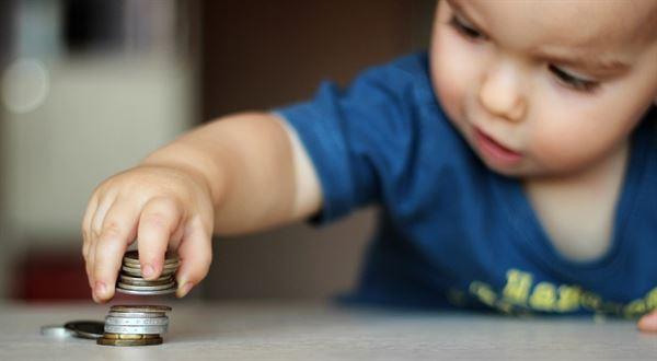 Přídavky na dítě 2019. Kolik dělají a kdo má nárok?