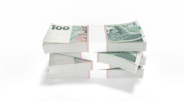 """Dáme vám stovku každý měsíc, láká banka. Prozkoumali jsme """"odměny místo poplatků"""""""