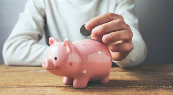 Spořit mohou studenti i důchodci! Jak vybrat spořicí účet?