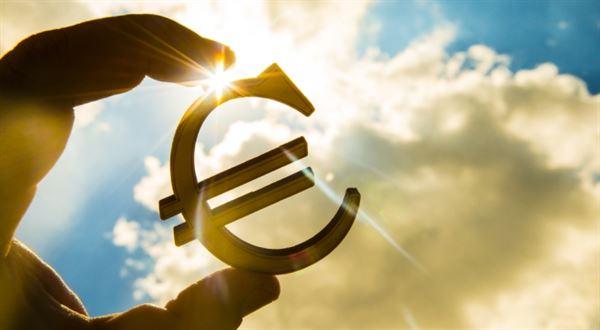 Eurozóna i přes skepsi jede dál
