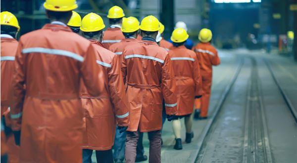 Důchod se vzdaluje, mladé čeká víc práce. Projděte si nové porovnání