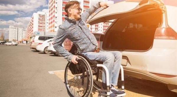 Dávky pro zdravotně postižené. Kdo má nárok a kolik dělají