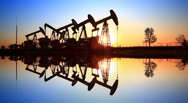 Kupte ropu, přidám peníze. Proč se cena propadla do minusu