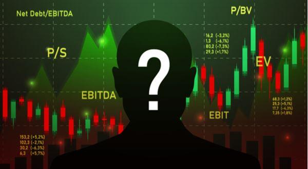 Buffett sedí na hotovosti. Utekla mu šance, nebo čeká hlubší propad?