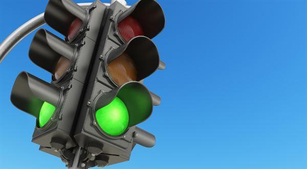 Cestování podle semaforu. Vláda řekla, jak otevře hranice