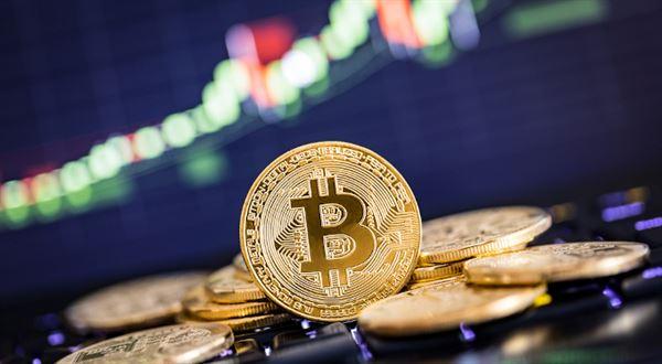 Bitcoin je zpátky nad 50 tisíci dolary