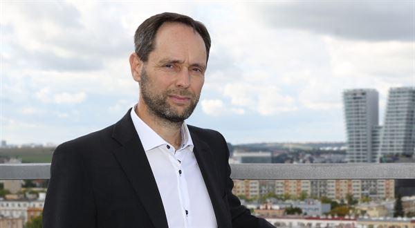 Rekordně levné hypotéky nečekejte, říká expert z České spořitelny