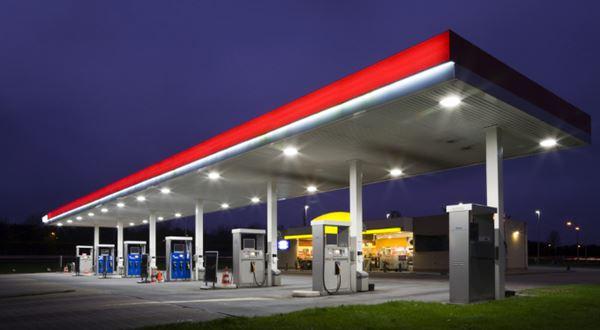 Kde natankovat na dovolenou? Ceny benzinu a nafty v Evropě