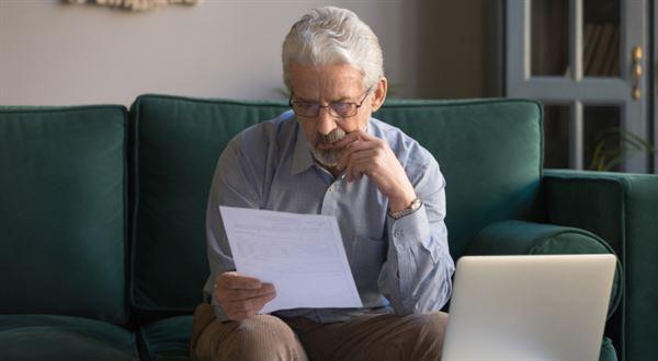 Spořitelna zamítla půjčku pro seniora. Diskriminace, stěžuje si