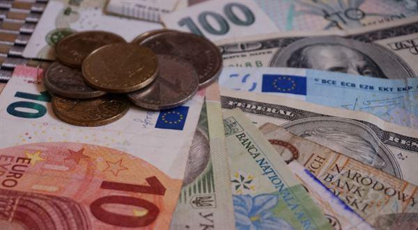 Koruna teď posiluje nejvíc ze všech světových měn