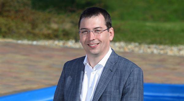 Dovolená v tuzemsku zvedla zájem o bazény, říká obchodní ředitel Mountfieldu