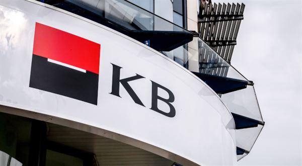 Pobočky KB mění otevírací dobu, omezení končí