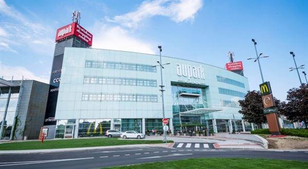 Češi kupují velké obchodní centrum v Bratislavě