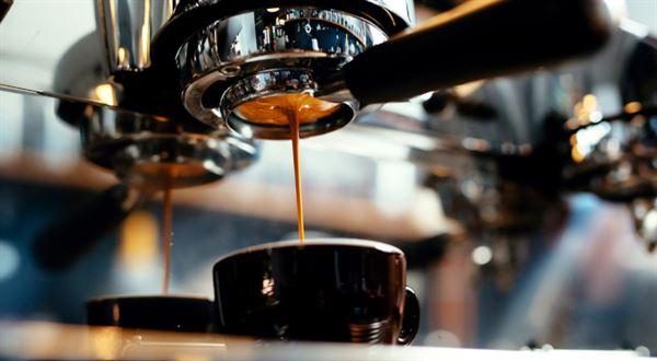 Za kafe si připlatíte. Může za to sucho a oživení