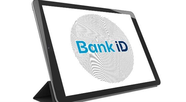 Bankovní identitu začíná nabízet i Raiffeisenbank