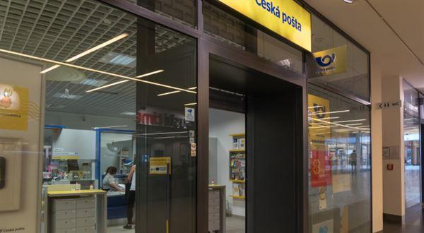 Pošta začne prodávat elektřinu. Spojí síly s ČEZ