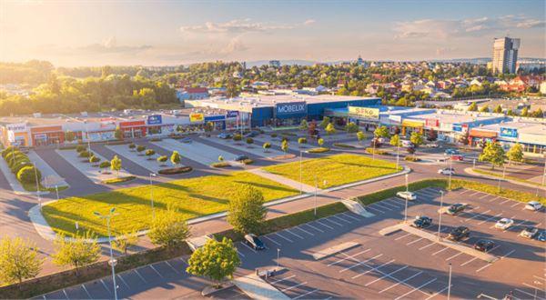 Trigea věří obchodním parkům, dva koupila
