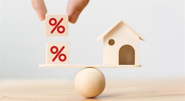 Největší banky výrazně zvedají úroky u hypoték