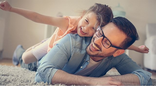 Rodič v domácnosti. Jak na zdravotní a sociální pojištění