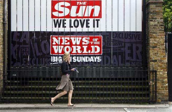 Kdo potřeboval zastavit Murdocha? Kauza News of the World s odstupem