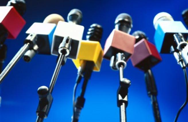 Politika a média II: Strategie pro dobu krize. Jak čelit banalitě