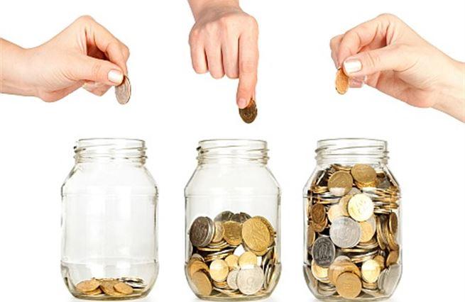 Anketa: Spořicí účty nenesou. Kam s penězi, aby neztrácely na hodnotě?