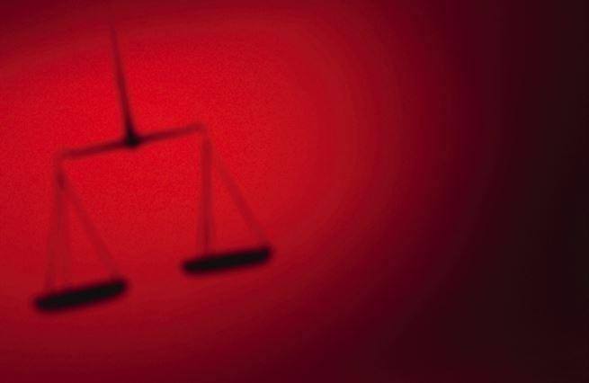 Základní slova 22: Rozprava o právu a ideálu