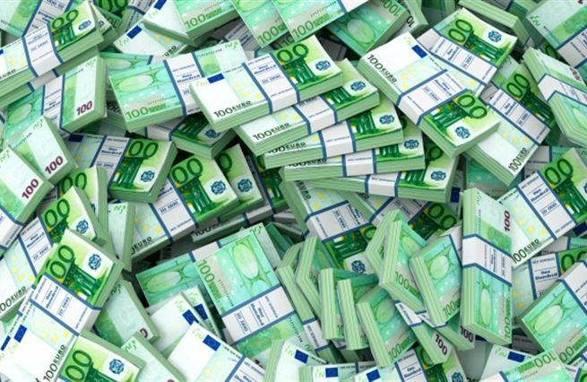 Víc papírků, víc bohatství?