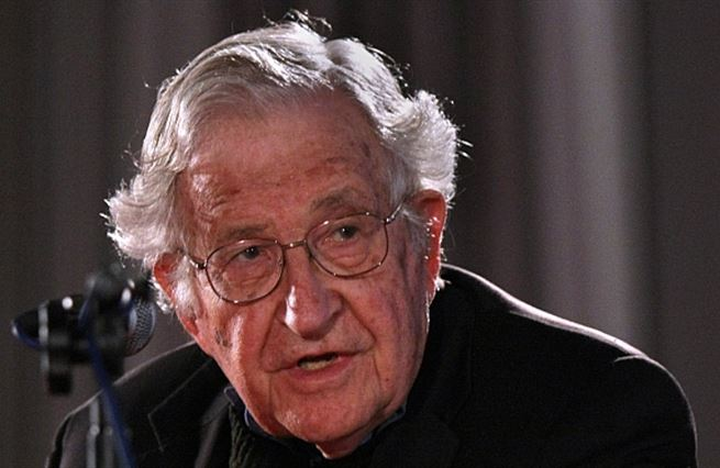 Chomsky: Byznys nestojí o volný trh, byznys stojí o moc