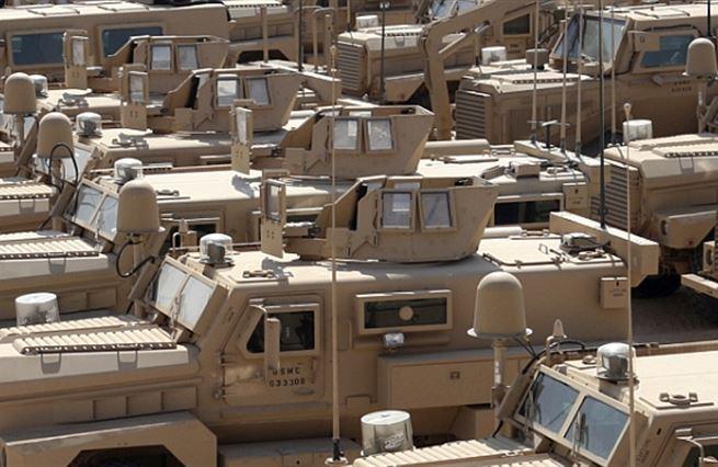 Černá díra v Iráku. Žere dolary!