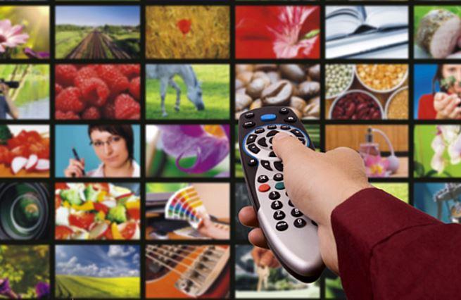 Televize zasazuje Hollywoodu další ránu. Zlomí mu tentokrát vaz?