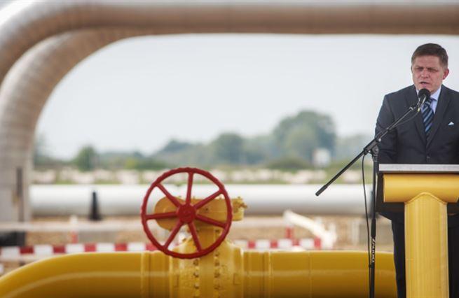 Plynová klička: Ruský plyn teče na Ukrajinu ze Slovenska