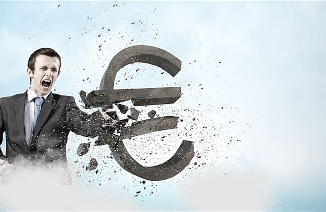 Evropská centrální banka likviduje euro. Jak chránit své peníze
