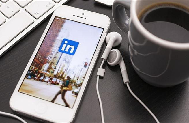 Microsoft kupoval draze. LinkedIn tleská daňovým rájům