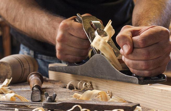 Boj o řemeslníky? Kolik jich firmy skutečně potřebují