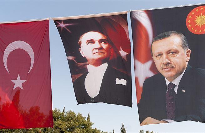 Turecká demokracie s referendem nezemřela