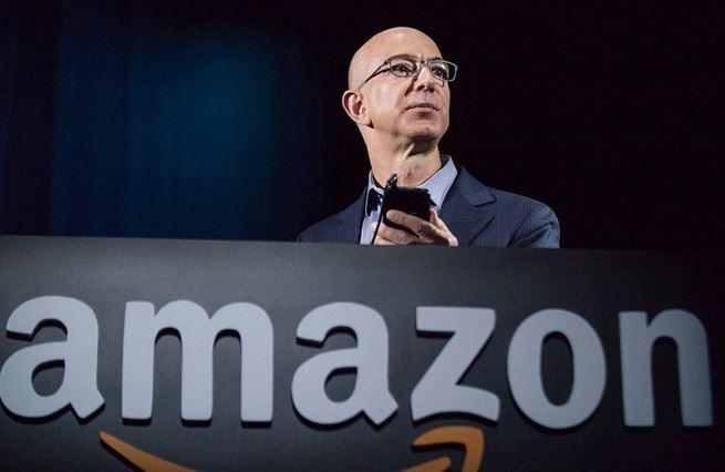 Jeff Bezos, další pracháč číslo 1 z garáže