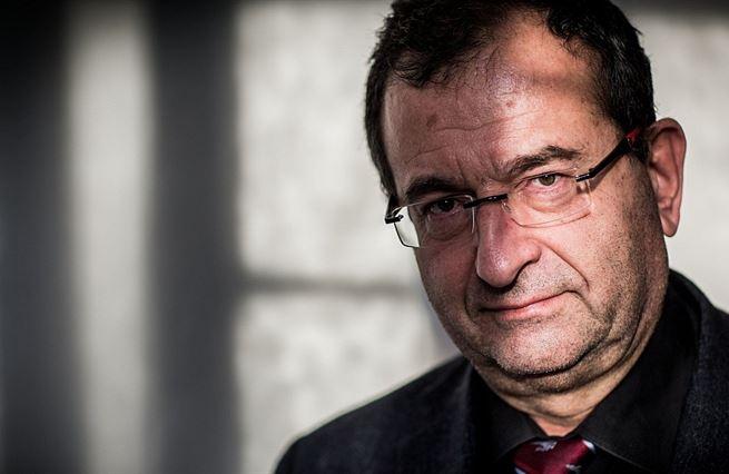 Cyril Höschl: Doktoři předepisují antidepresiva z nouze. Často nemají smysl