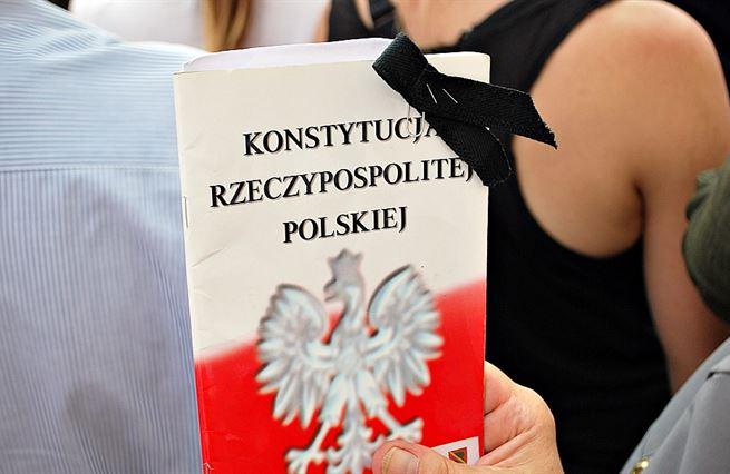 Polské problémy můžou vyřešit Poláci. Ne evropské sankce