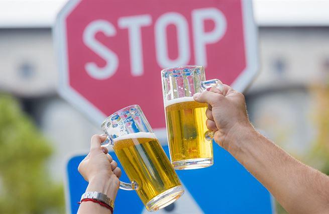 Čím víc opilců, tím víc bitek. Nebojme se slova na P